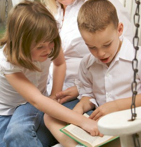 The tip top read aloud list of books to help build character in children of all ages.