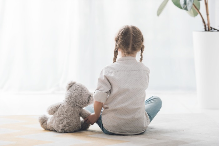 7 ways children grieve. Help children through loss and grief.