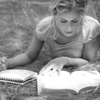 30 Benefits of Bible study